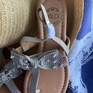 Dolce Vita Shoes - NWOT Dolce sandals